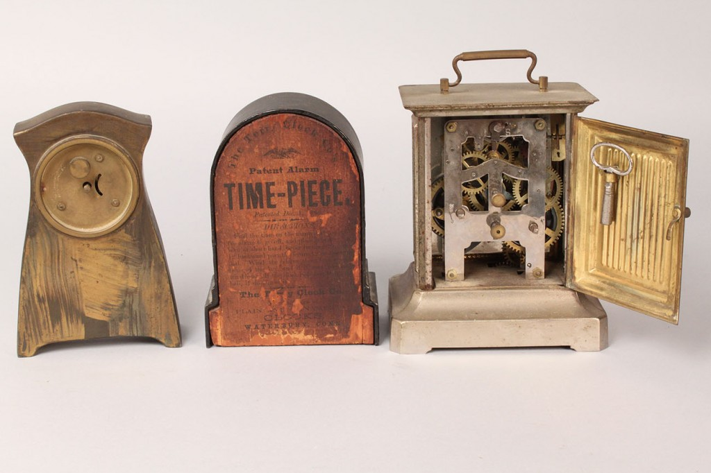Lot 555: Lot of 4 Clocks