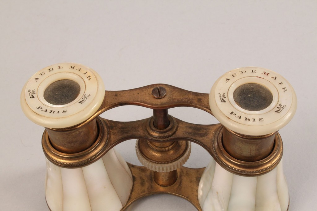 Lot 568: 2 Mother of Pearl items & Case Scissors