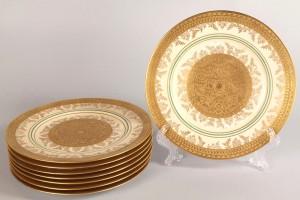 Lot 577: Royal Bavarian gold service plates (8)