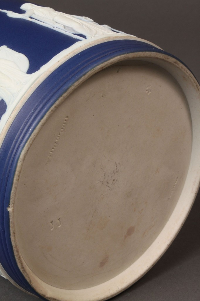 Lot 578: Wedgwood jasperware and silverplate biscuit jar