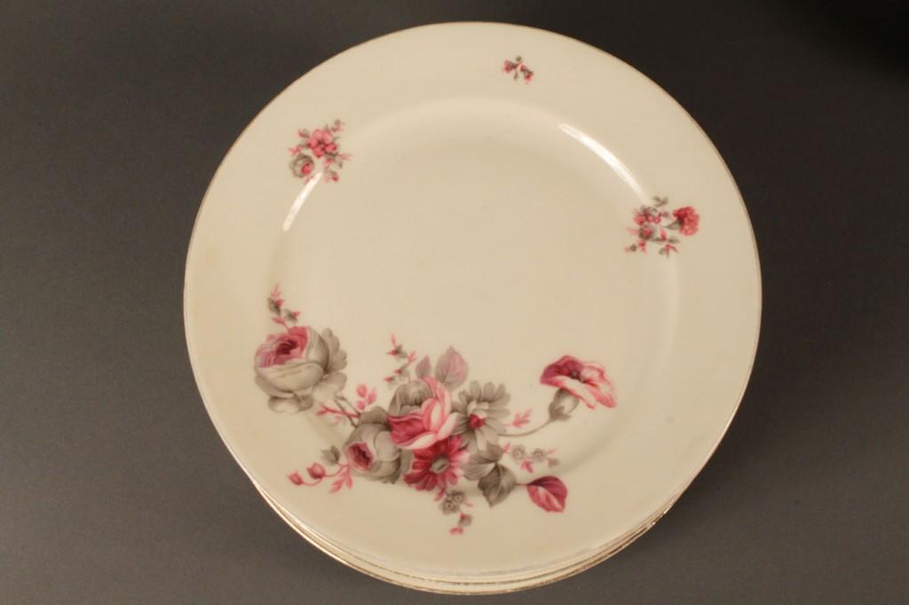 Lot 580: R.S. Germany dinnerware, 43 pcs
