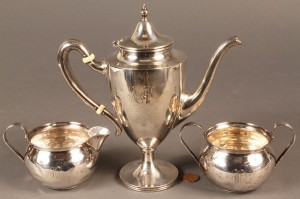Lot 590: Sterling Silver creamers & sugar