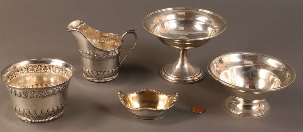 Lot 593: Assorted Gorham and Wallace sterling hollowware
