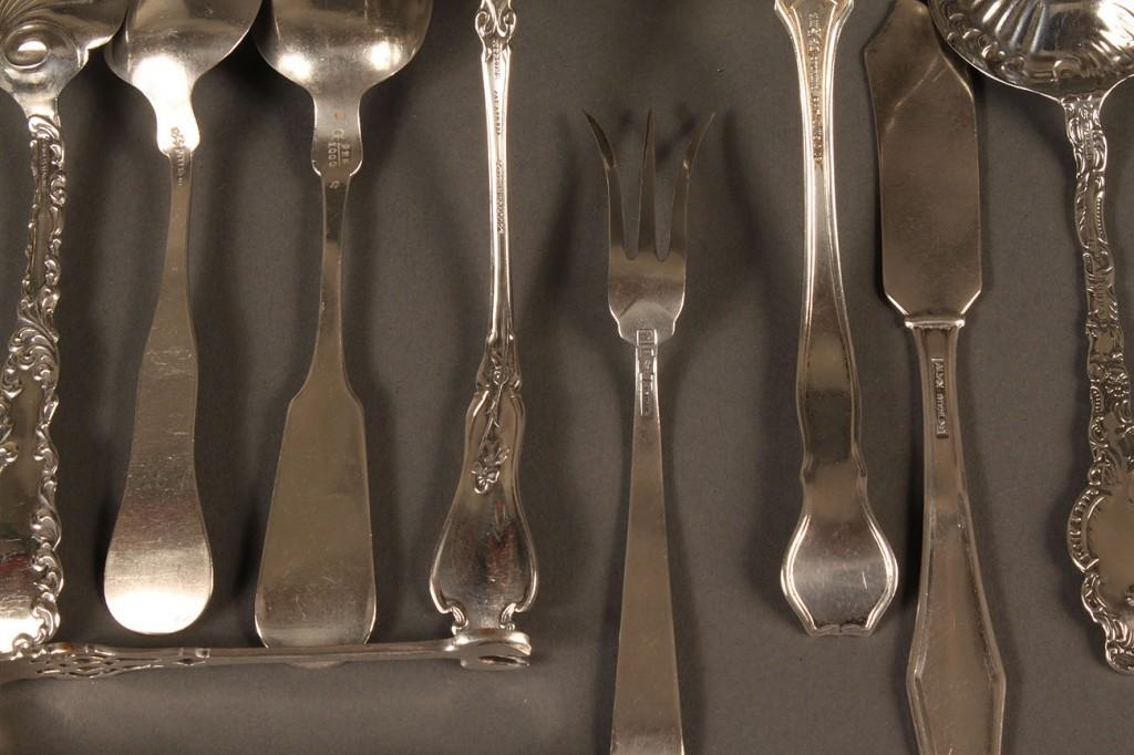 Lot 615: Assd sterling silver flatware, 9 pcs