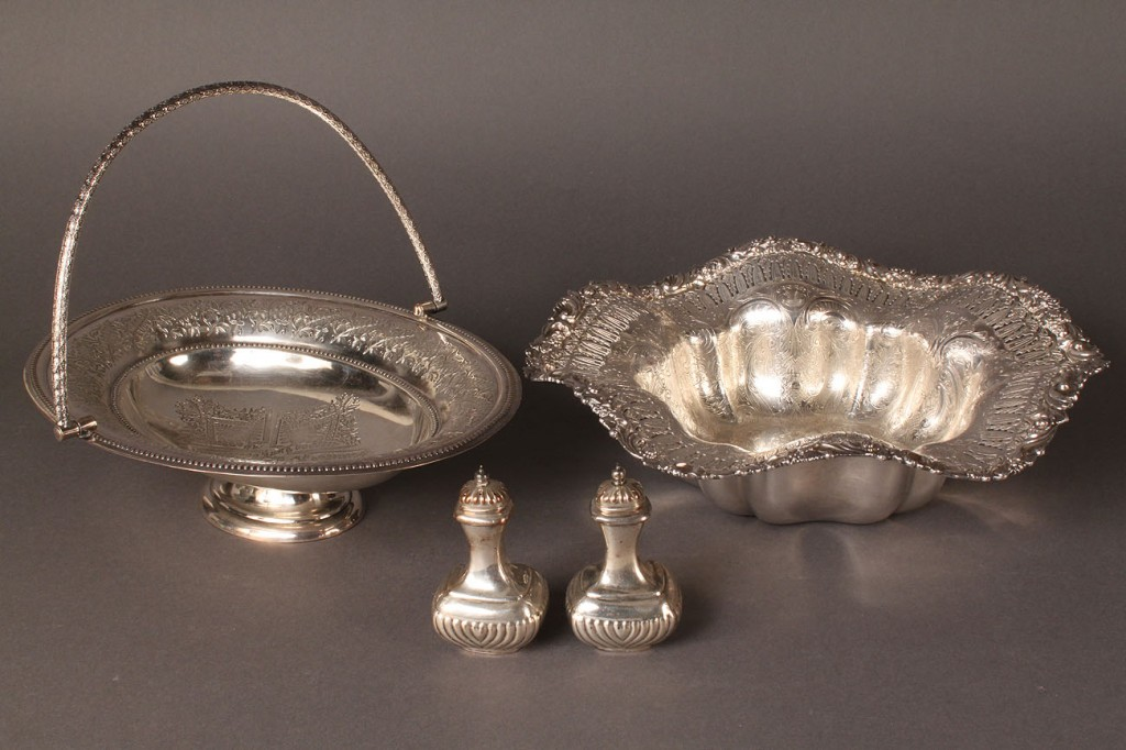 Lot 622: Assd. Silverplated Holloware, 6 pieces