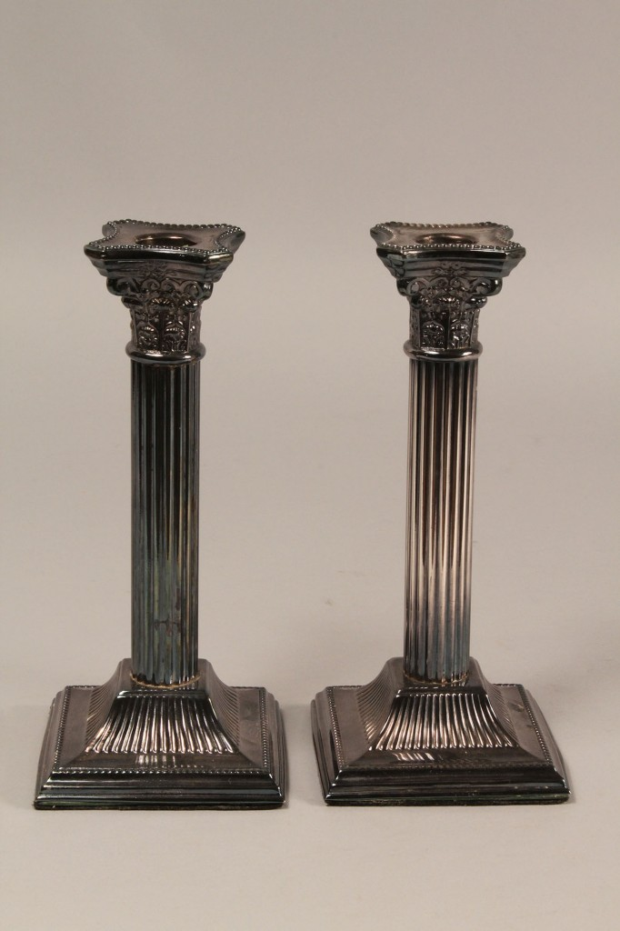 Lot 623: Lot of silverplated candlesticks