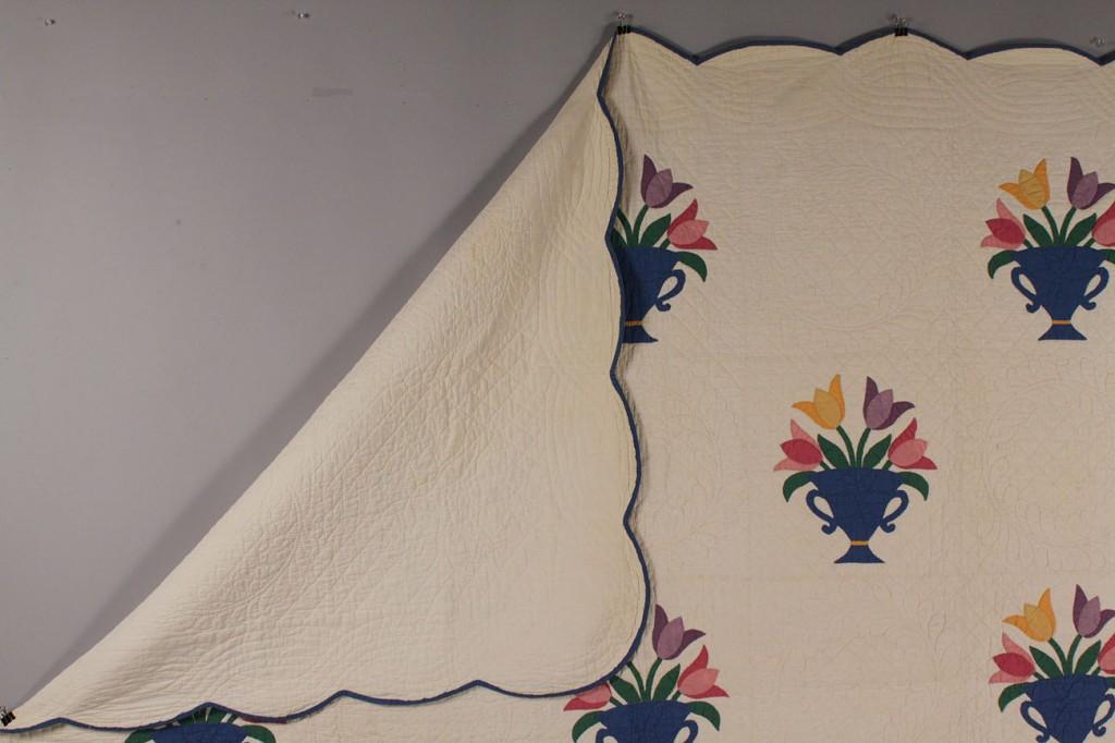 Lot 635: Pennsylvania Tulip Quilt