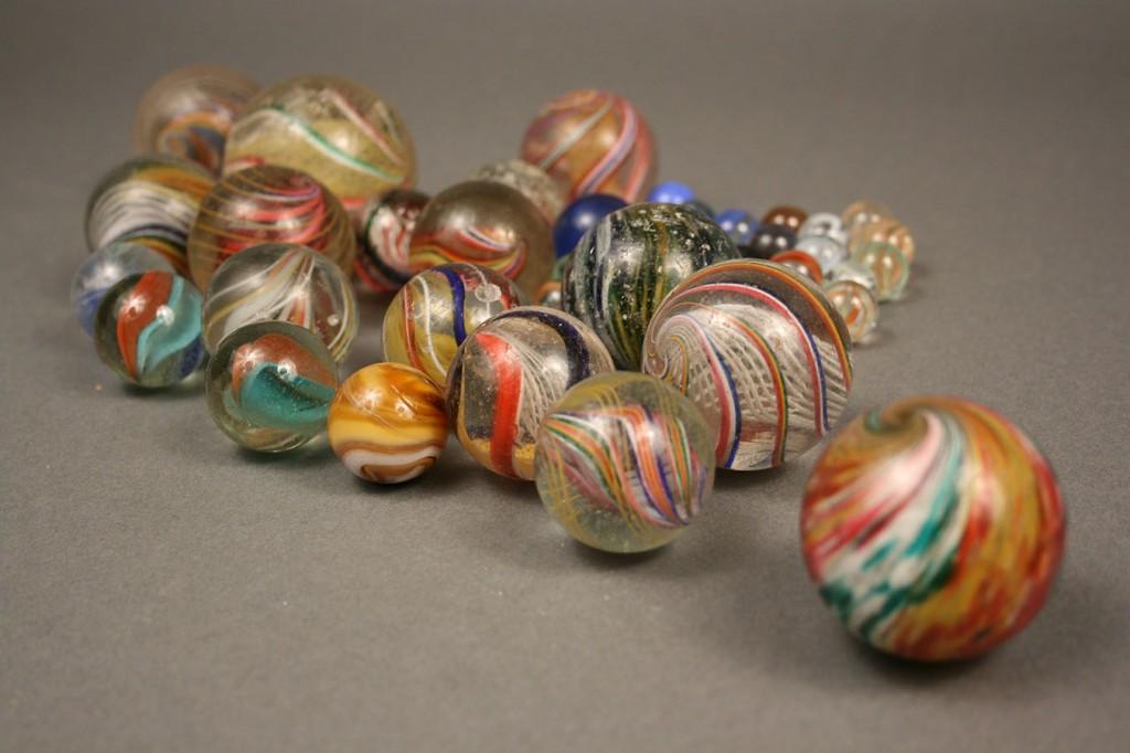 Lot 651: Lot of Approx. 60 marbles, incl. Bennington