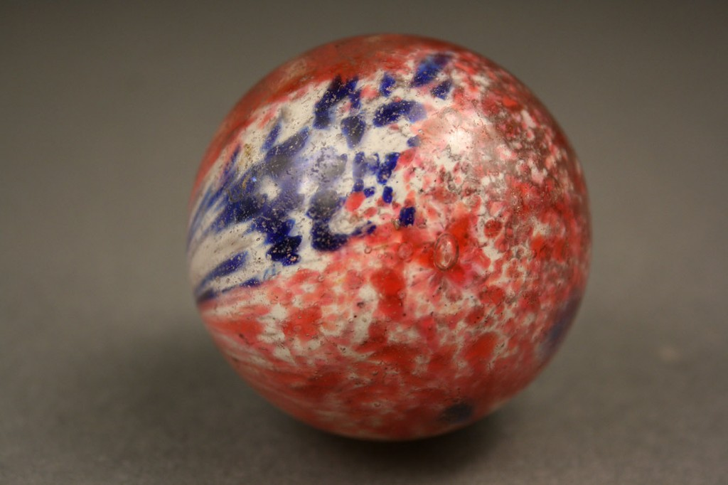 Lot 652: Lot of 3 Onion Skin Marbles