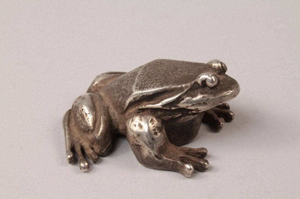 Lot 95: Lot of 3 Sterling items, two figural