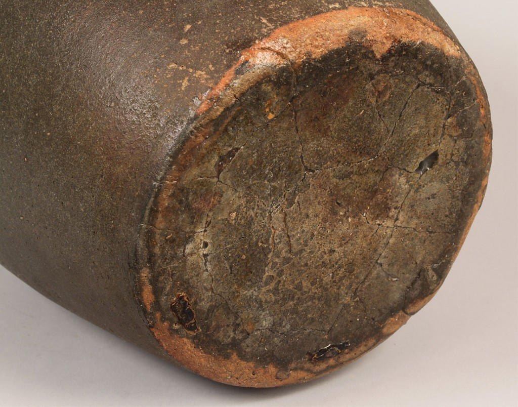 Lot 109: Large TN Mort Pottery Jar, Sine wave incising