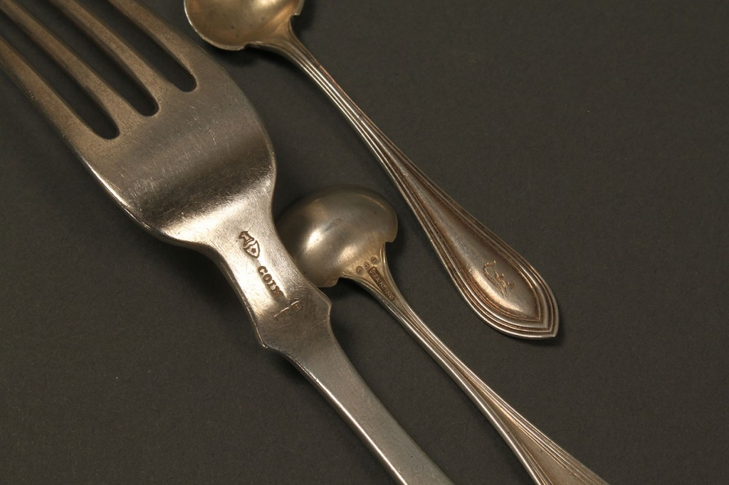 Lot 130: 8 pc silver flatware inc. MD Coin forks