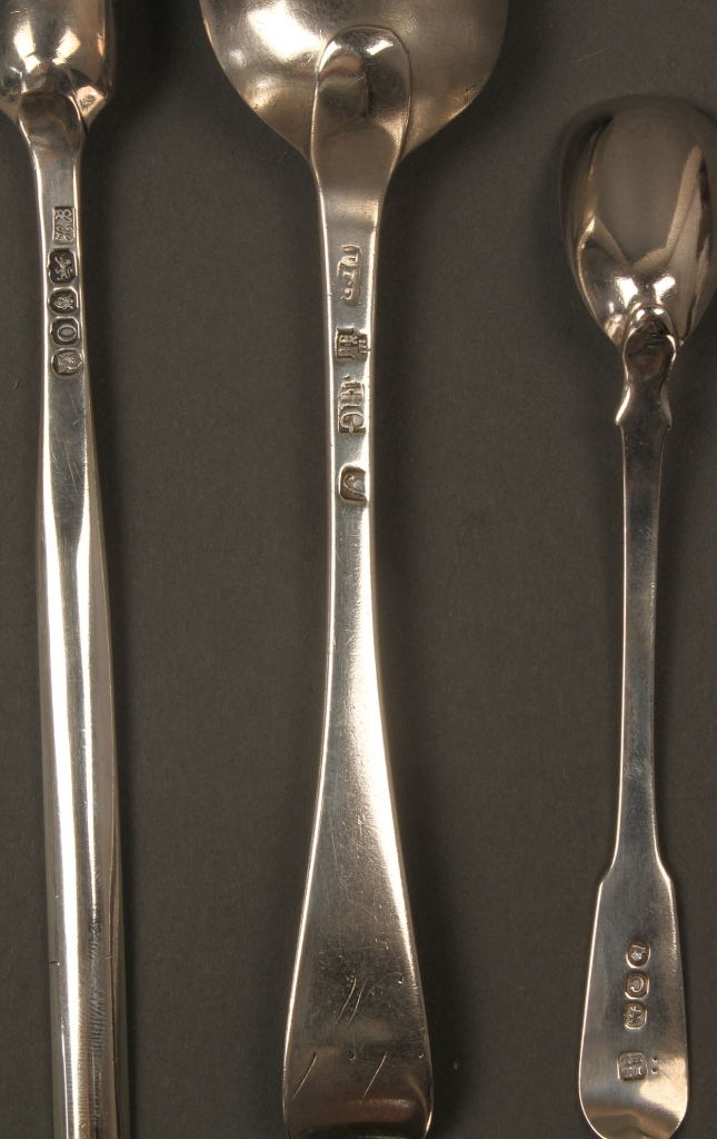 Lot 133: Assembled Lot of English Silver, 6 pieces