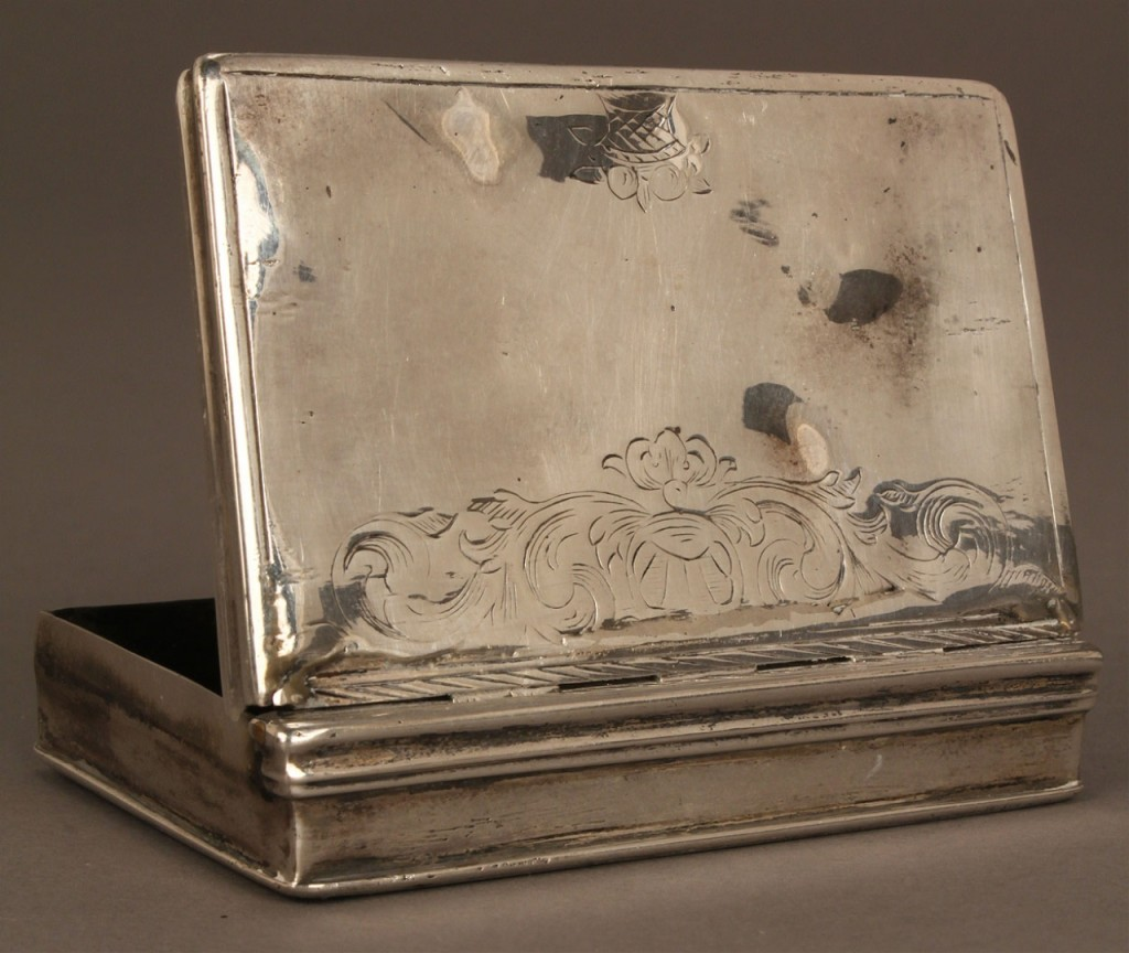 Lot 134: George II engraved sterling snuff box