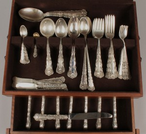 Lot 151: Whiting sterling flatware, Kings Court, 87 pcs