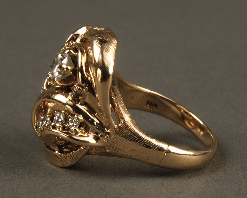 Lot 160: 14K Diamond Fashion Ring