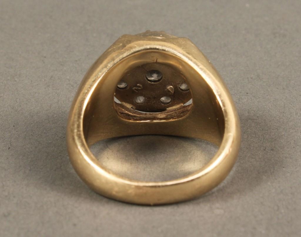 Lot 169: 14K Diamond Circle Cluster Ring