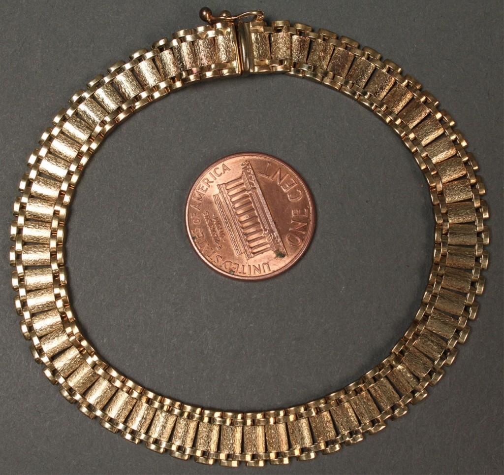 """Lot 172: 14K Italian Link Bracelet, 8"""" L"""