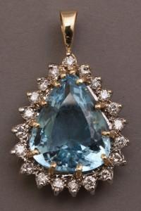 Lot 181: 14K pendant w/ 17 ct Blue Topaz & diamond