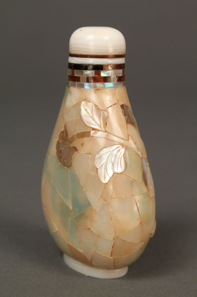 Lot 18: Mother of Pearl Abalone snuff bottle, signed