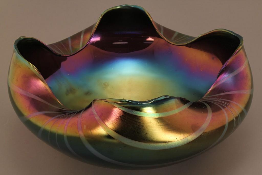 Lot 219: Art Glass Bowl, attrib. Rindskopf