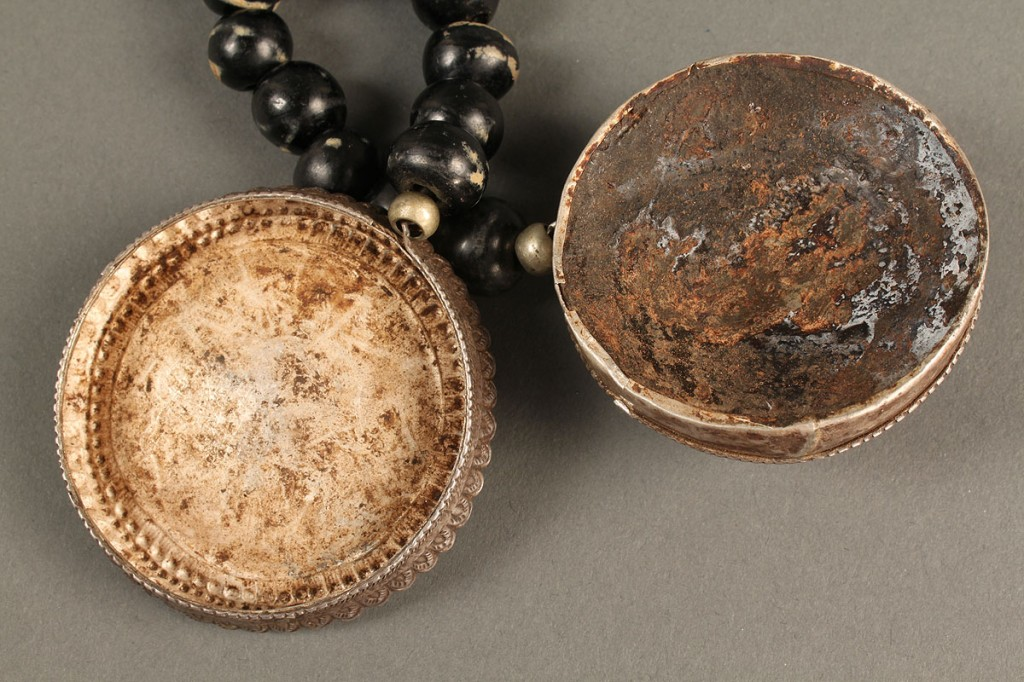"Lot 23: Rhino Horn Necklace, silver & ""Tibetan agate"""