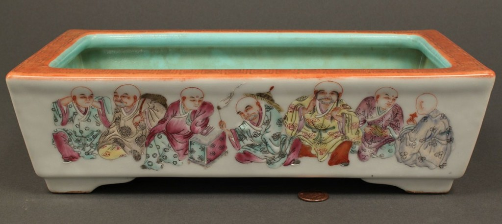Lot 259: Chinese Famille Rose Porcelain Planter