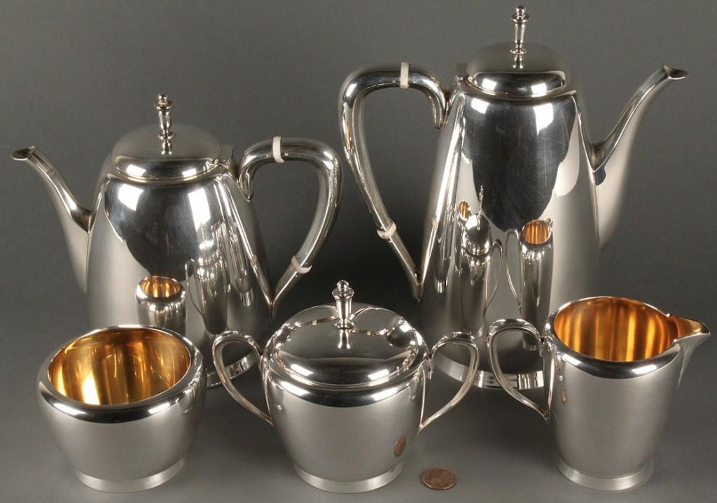 Lot 367: Reed & Barton sterling tea service, 5 pcs