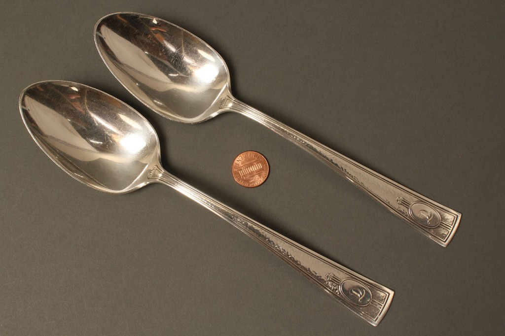 Lot 372: 12 sterling serving pcs. incl Francis I, Stieff Ro