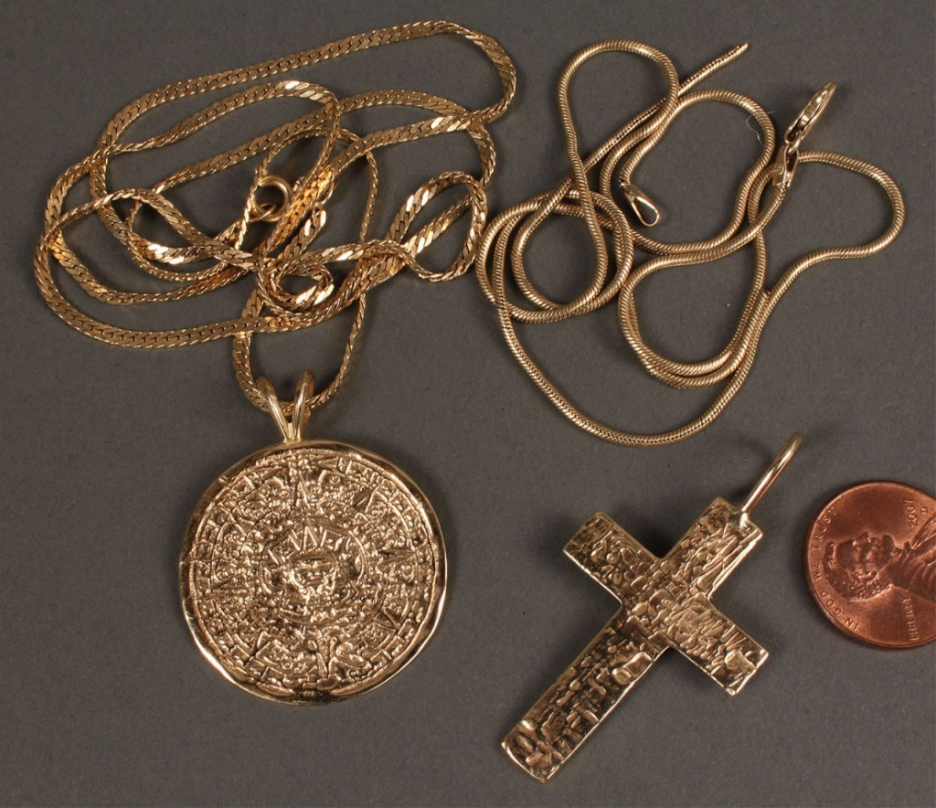 Lot 397: 14K jewelry: Aztec Sundial, Cross & chains