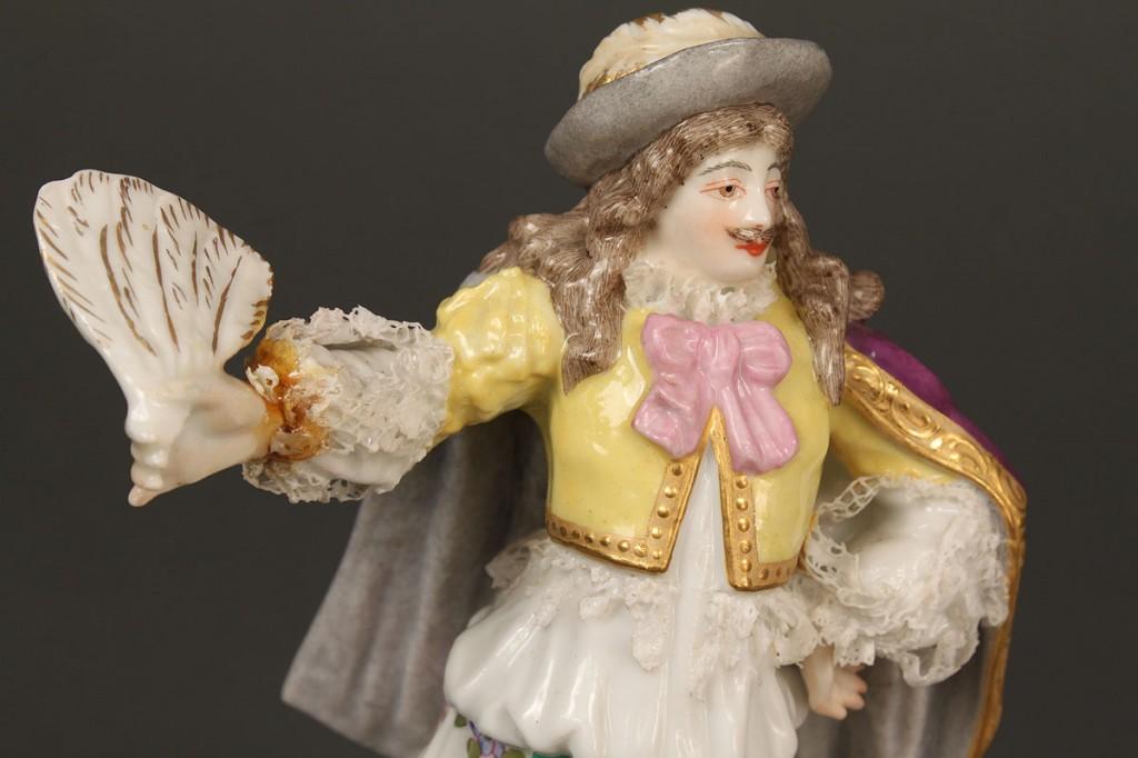 Lot 406: 3 Meissen Porcelain Figures