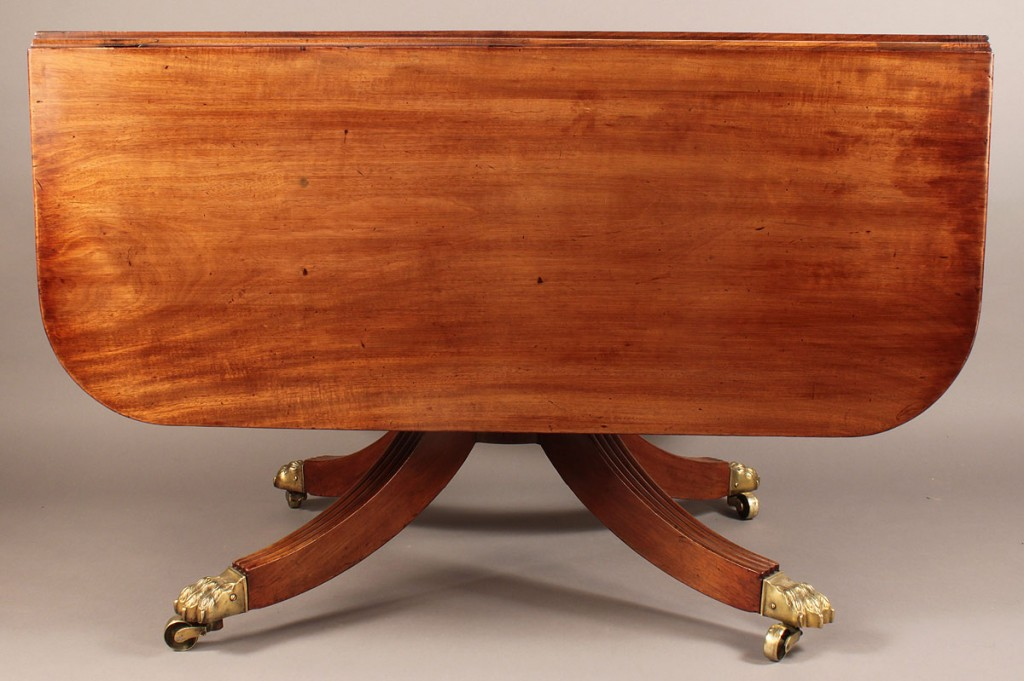 Lot 503: American Classical Breakfast table