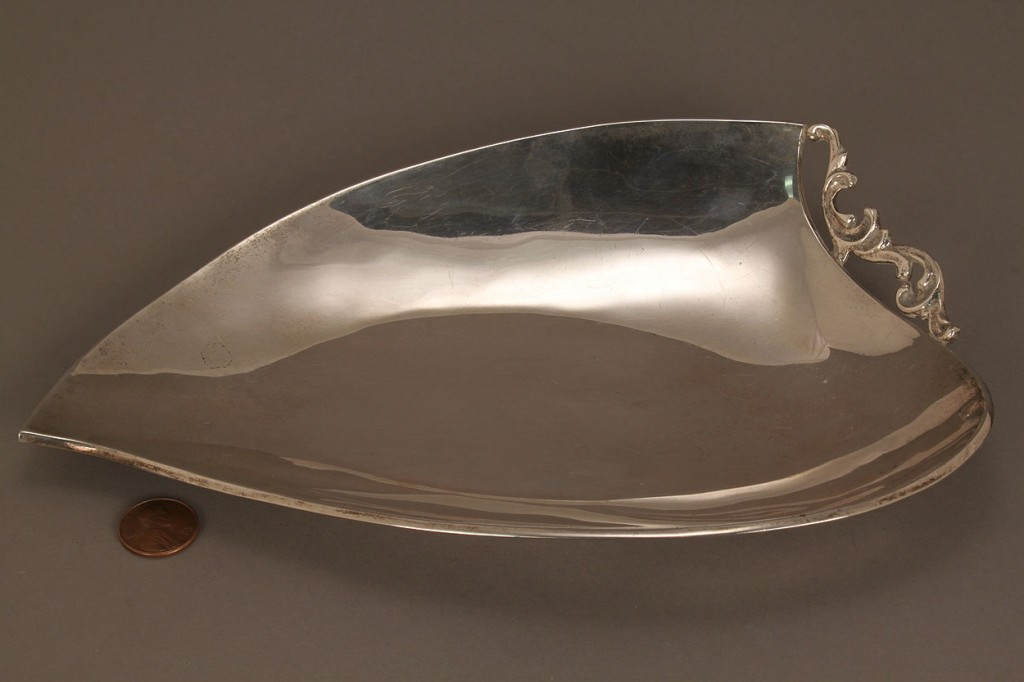 Lot 529: Mexican sterling silver leaf dish