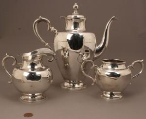 Lot 530: Mexican sterling silver tea set, 3 pcs.