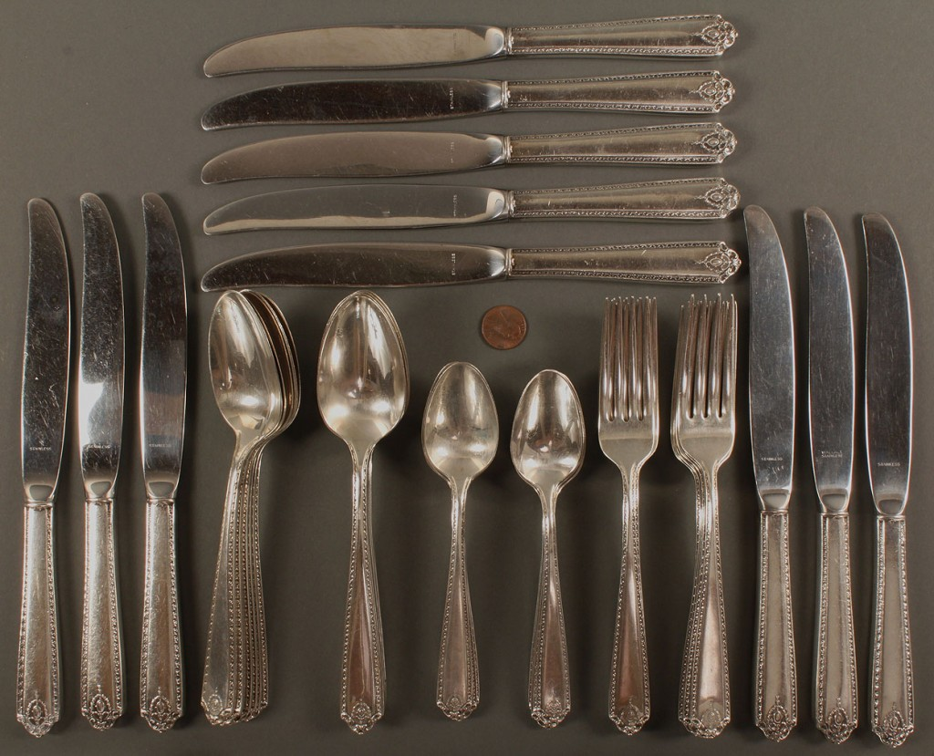 Lot 534: Westmoreland Sterling Silver Flatware, 44pcs