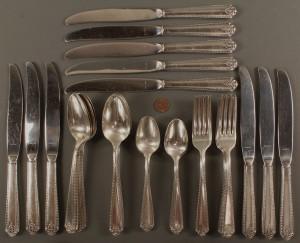 Lot 534: Westmoreland Sterling Silver Flatware, 44pcs