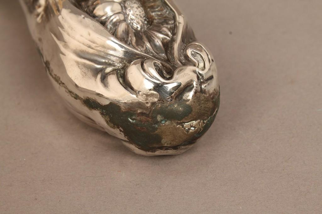 Lot 538: Lot of 7 silver ladies items, Art Nouveau era