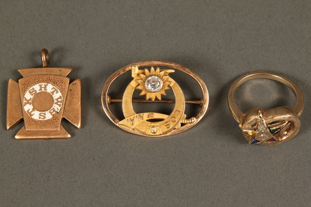 Lot 543: Lot of Masonic & Middle Eastern items, one 14K