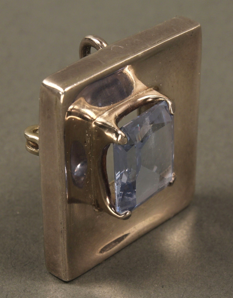 Lot 560: Mexican Sterling Pin/Pendant w/ London Blue Topaz