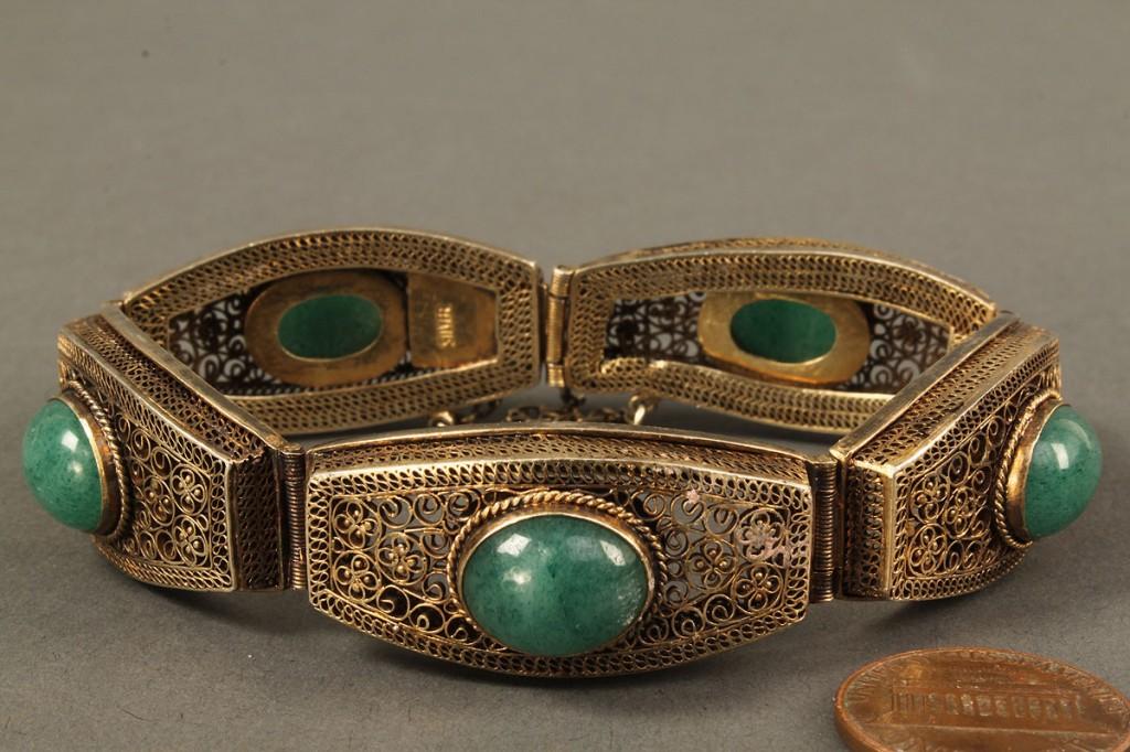 Lot 562: Silver filigree bracelet