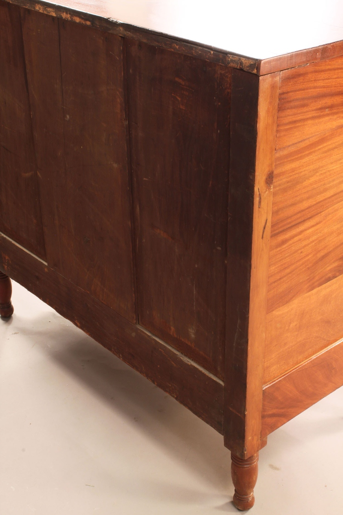 Lot 589: American Sheraton Mahogany Chest of Drawers
