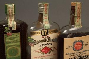 Lot 641: 4 Bottles KY Bourbon Whiskey, 1924-1934 sealed plu - Image 5