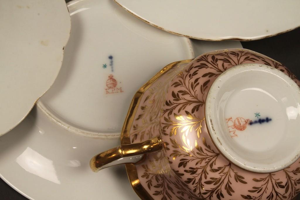 Lot 653: 5 Meissen & KPM items inc. candlesticks