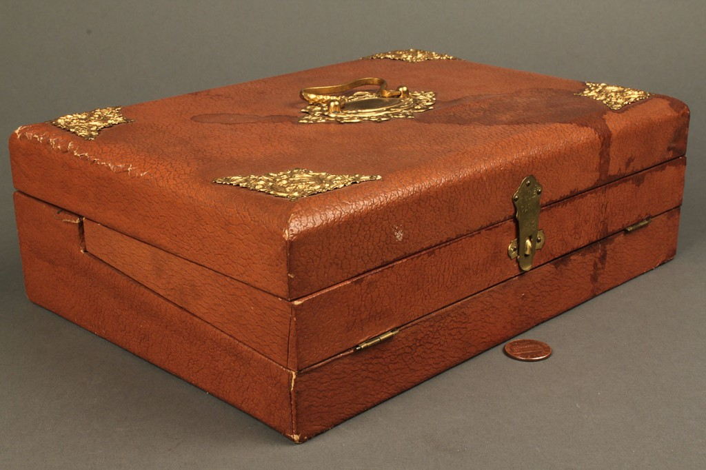 Lot 671: French ladies box with sewing & stenciling supplie