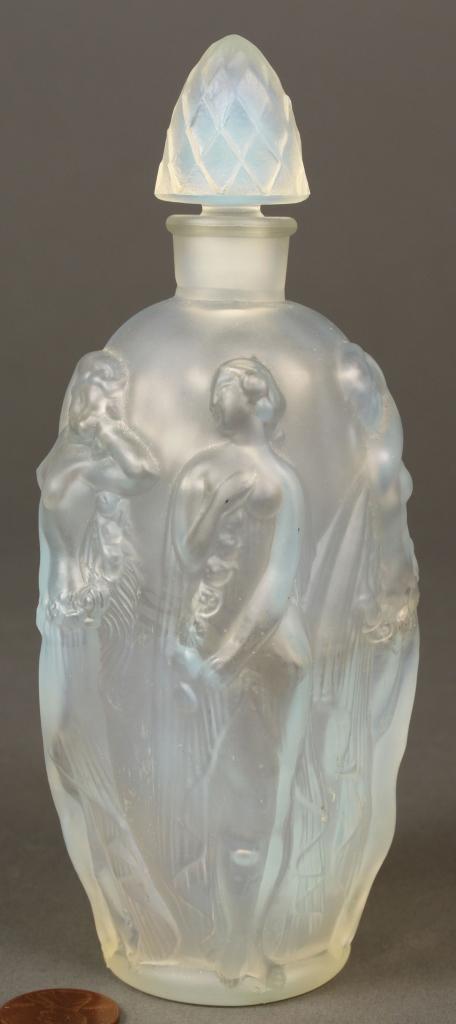 Lot 685: Sabino glass perfume bottle