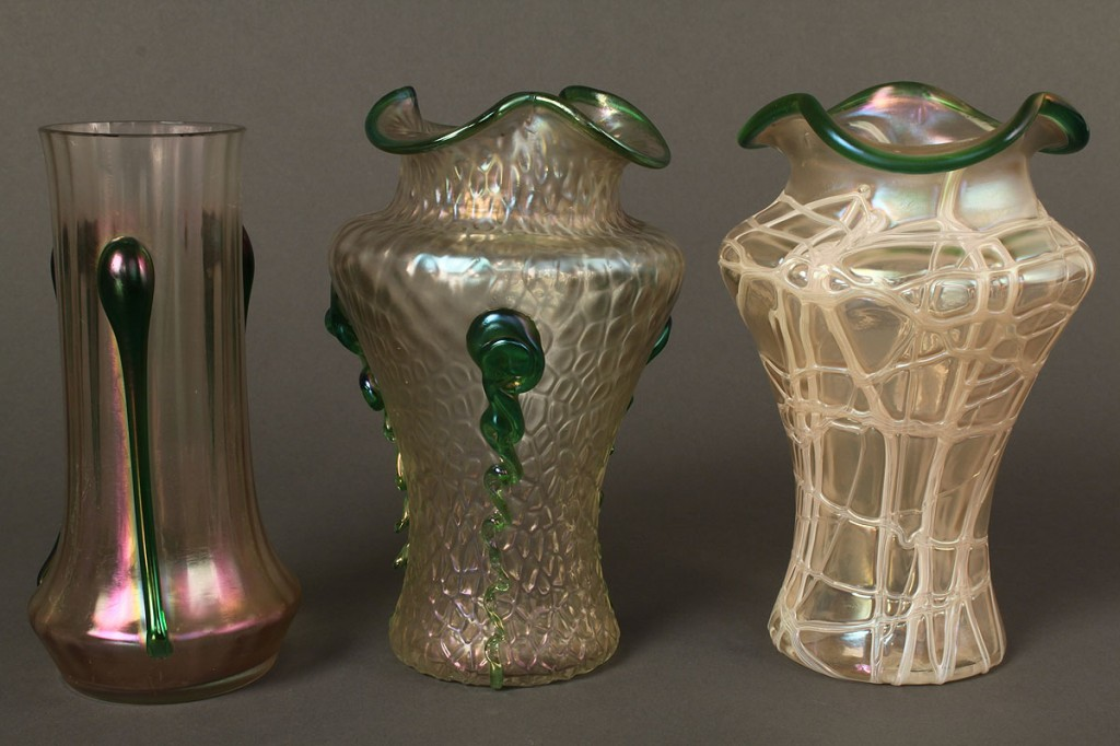 Lot 686: Lot of 5 glass items, Loetz, Baccarat, Lalique