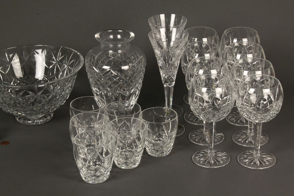 Lot 687: Waterford Crystal, 24 pieces inc. bowl & vase