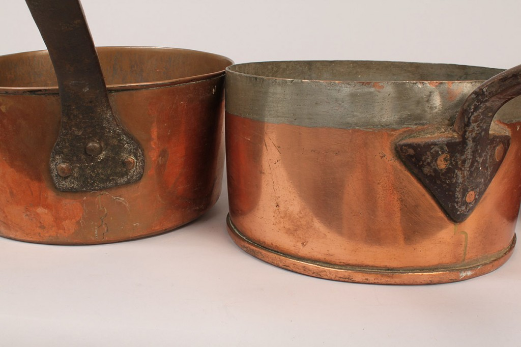 Lot 702: Copper cookware and tea caddy, 4 pcs.