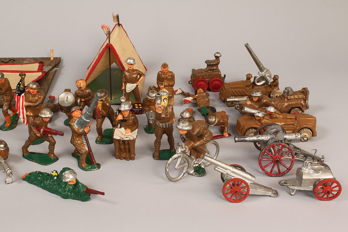Cast Iron Paint >> Lot 731: WWI & II toy soldiers and tents, Manoil Barclay