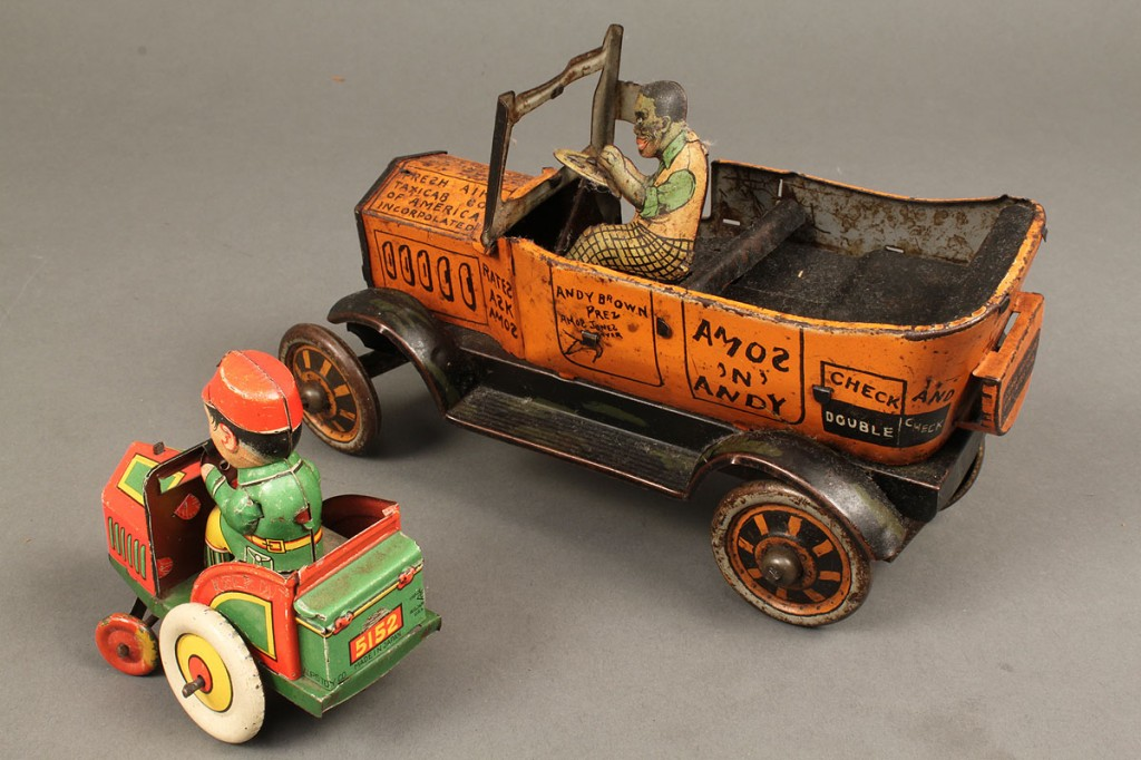 Lot 736: 2 tin litho Wind-Up Toy Cars
